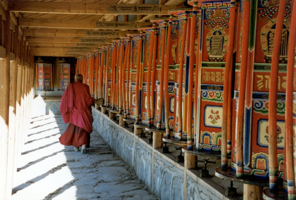 Turning%20Prayer%20Wheels%20at%20Labrang[1].jpg
